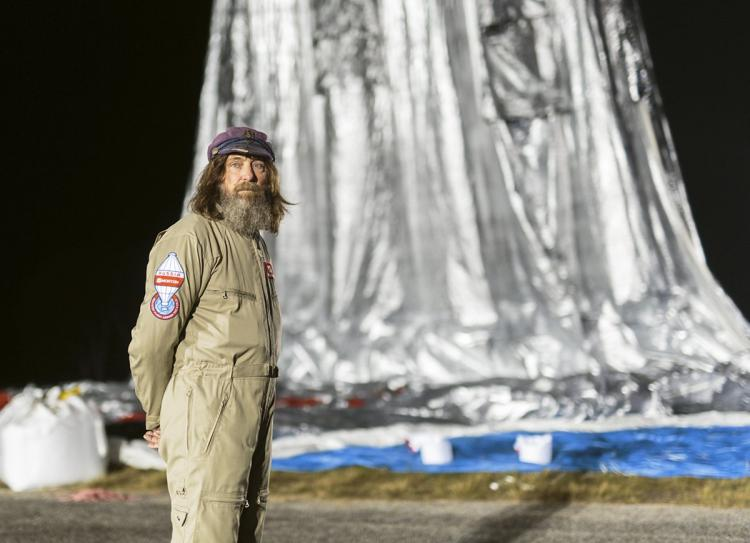 'ROUND THE WORLD IN 11 DAYS: Russian balloonist claims new record