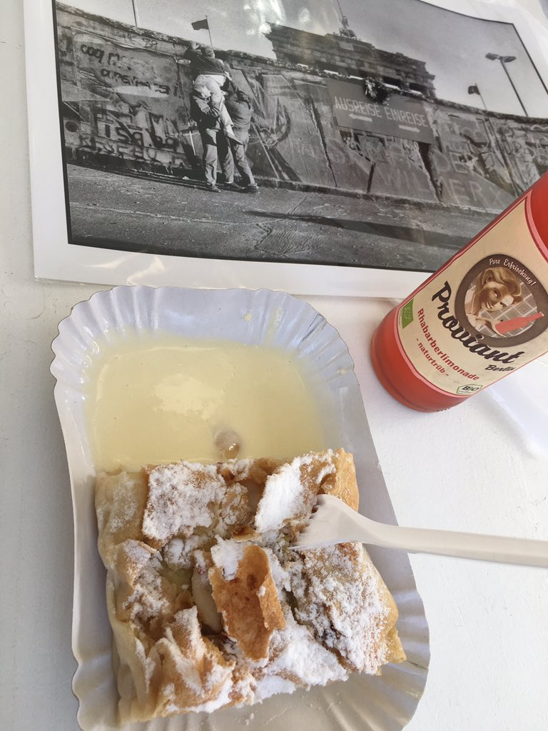 Rhubarb lemonade, strudel and wall stories. What a morning in Berlin.
