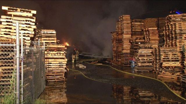 Massive fire destroys NE Harris County business