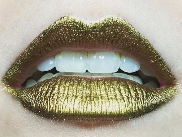 The weird trick to get perfect metallic lips (hint: it's not lipstick): https://t.co/BAeVnTCgUE https://t.co/vfflo5InPg