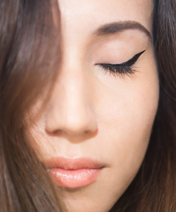Here's your step-by-step guide to the perfect cat-eye: https://t.co/s90bB6EYYN https://t.co/t2bcmbKyRZ