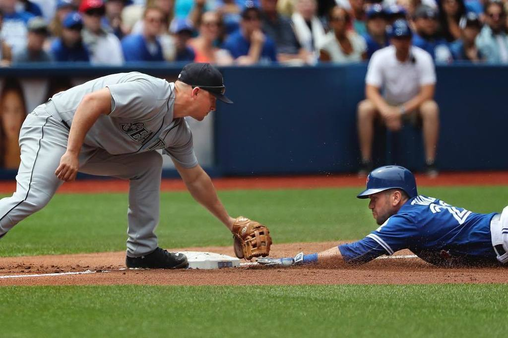 Toronto BlueJays beat the Seattle Mariners 2-0 in the third and final game of their home s…