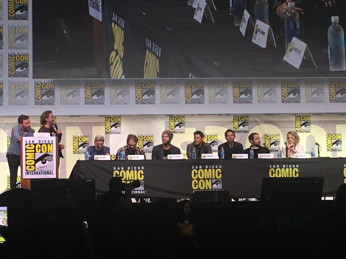 San Diego Comic-Con 2016 - Page 2 CoJp3m1UkAE0AHG