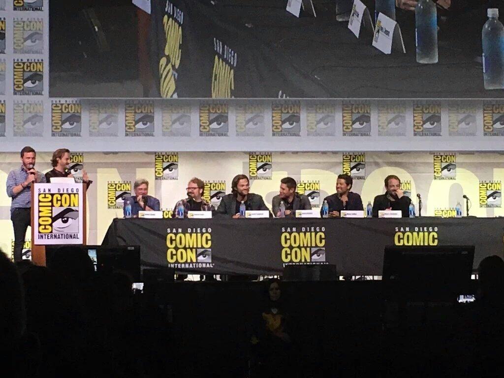 San Diego Comic-Con 2016 - Page 2 CoJpVzDXEAAxhkf