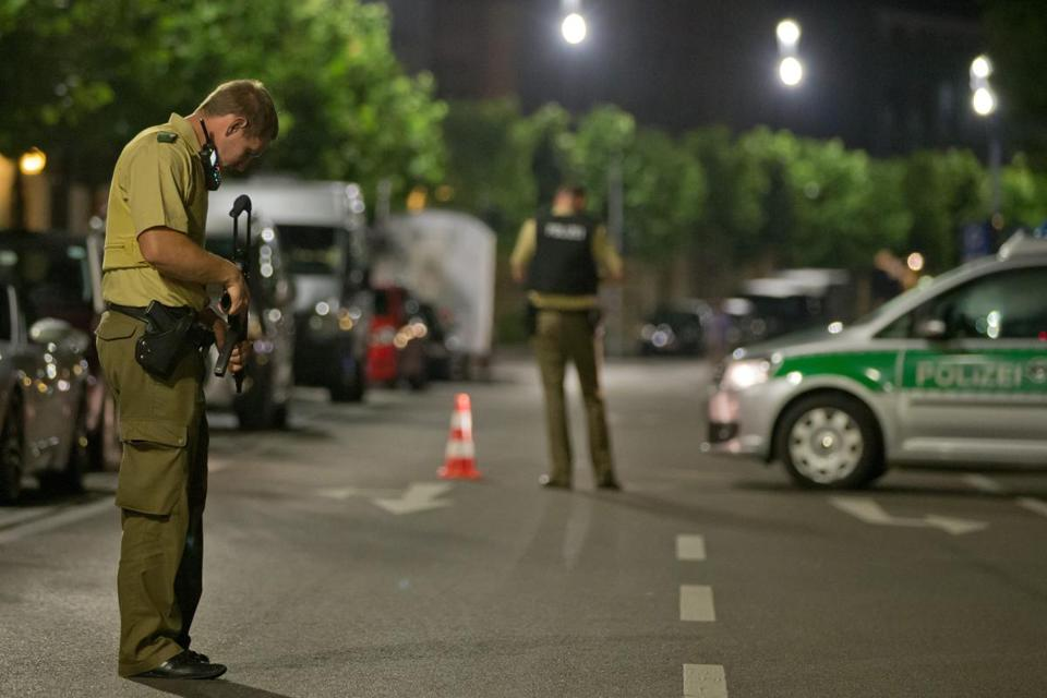 Man, likely attacker, dies in explosion in Ansbach, Germany, police say