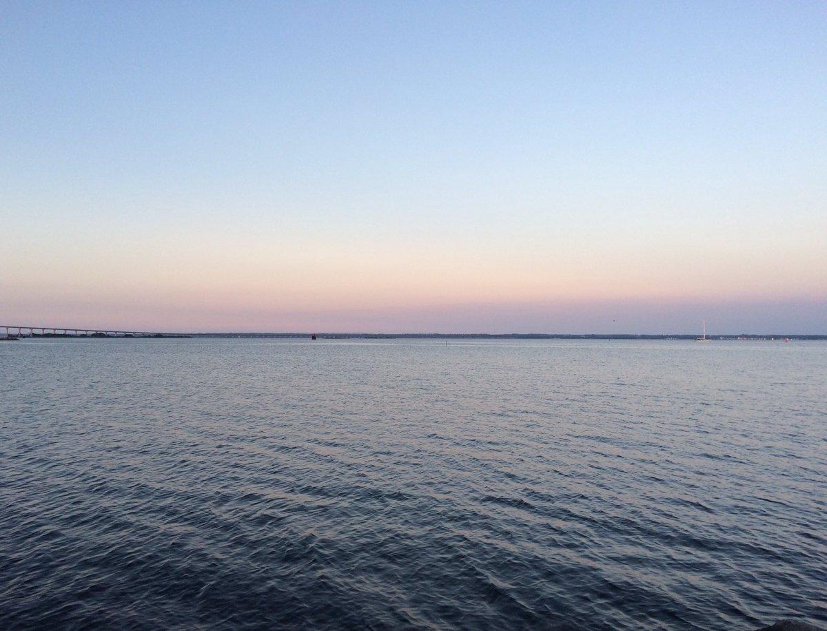 Hur många spannar vatten rinner genom Kalmarsund varje dag? (Ni som förstår förstår.) #ankist #nafsk