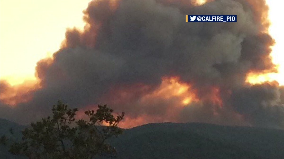 SoberanesFire burning in Monterey County grows over 10,000 acres & threatening structures.
