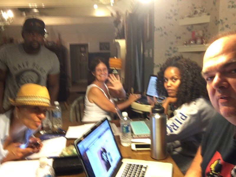 That's a wrap for 2nt! Sweat equity & a shoe string budget #indieproducers pic.twitter.com/jbAHhOnLuZ