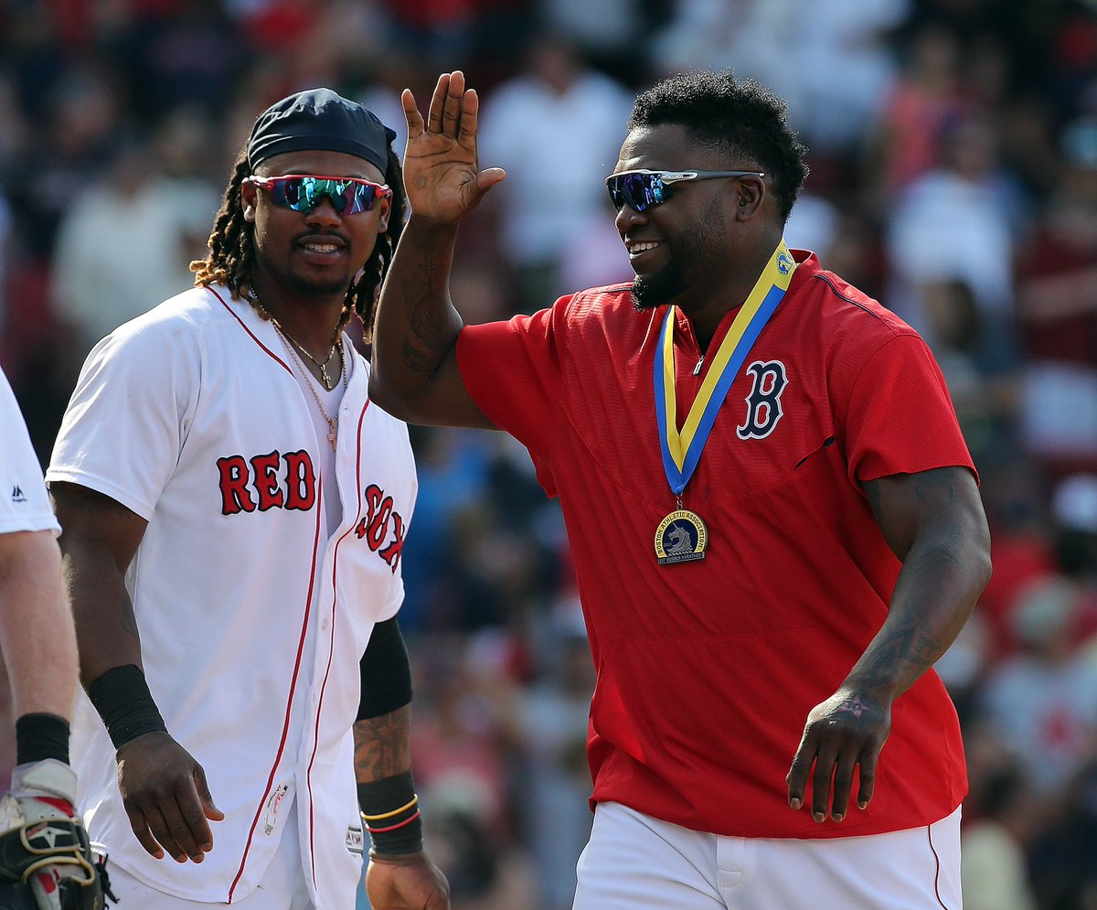 David Ortiz spotted with Boston Marathon finisher's medal in Red Sox dugout