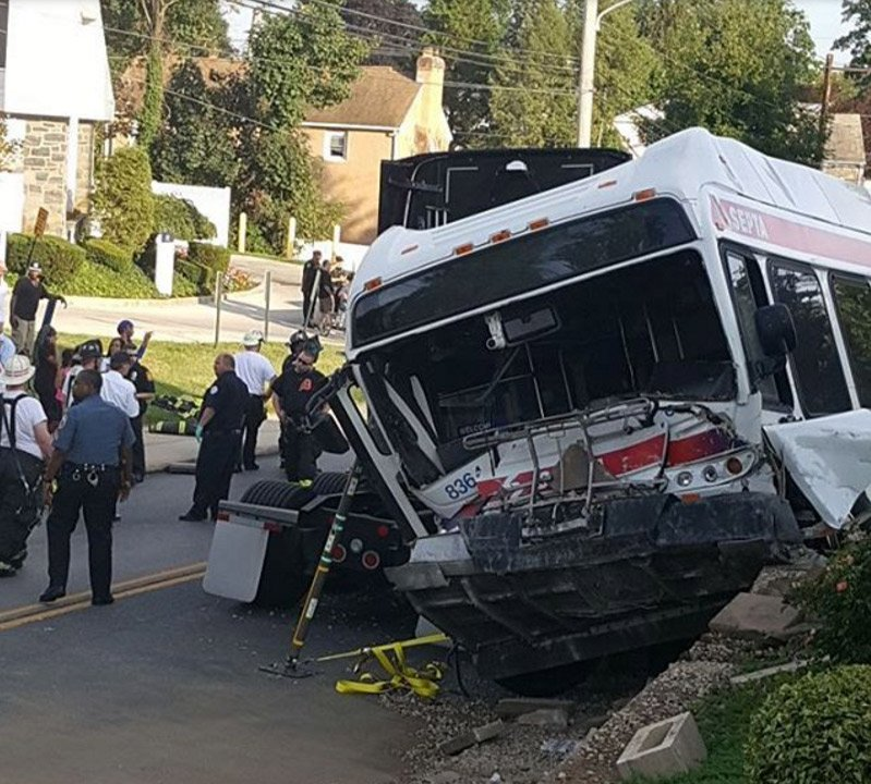 28 hurt in accident involving SEPTA bus, jeep and tractor trailer in Yeadon