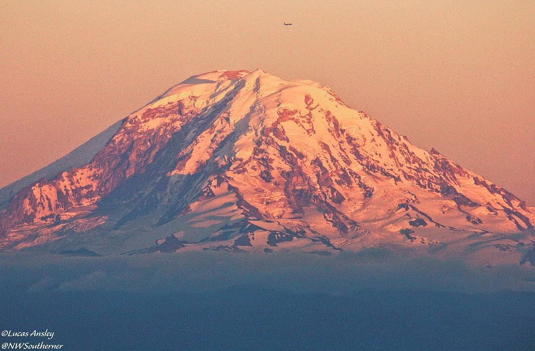 Mount Rainier showin' off again! Thanks, Luke Ansley. Share your photos with us >>