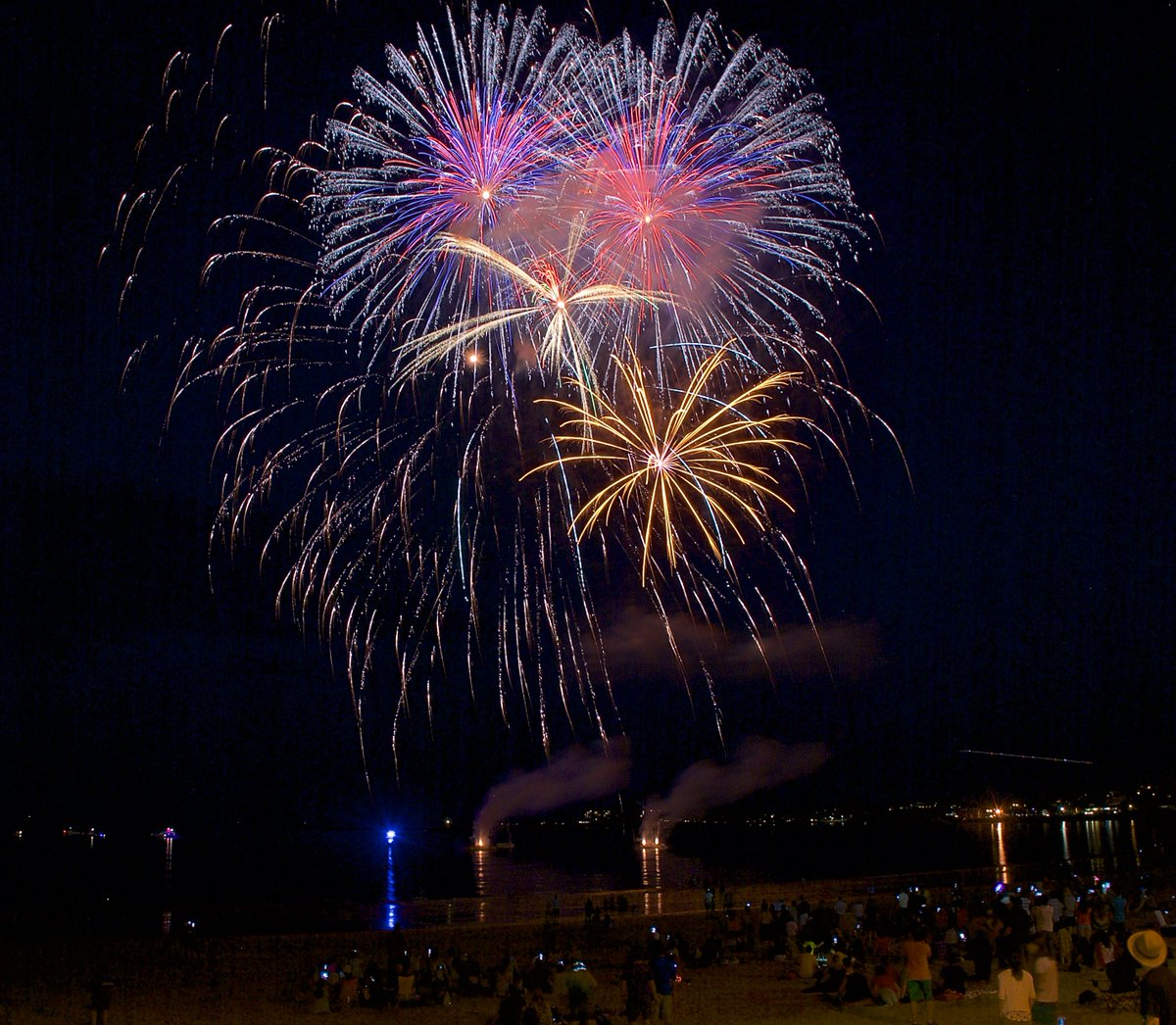 John hamel johnhamel twitter fireworksextravaganza at the 2016 reverebeach international sand sculpting festivalpicitterxq6oyf91c0 nvjuhfo Choice Image