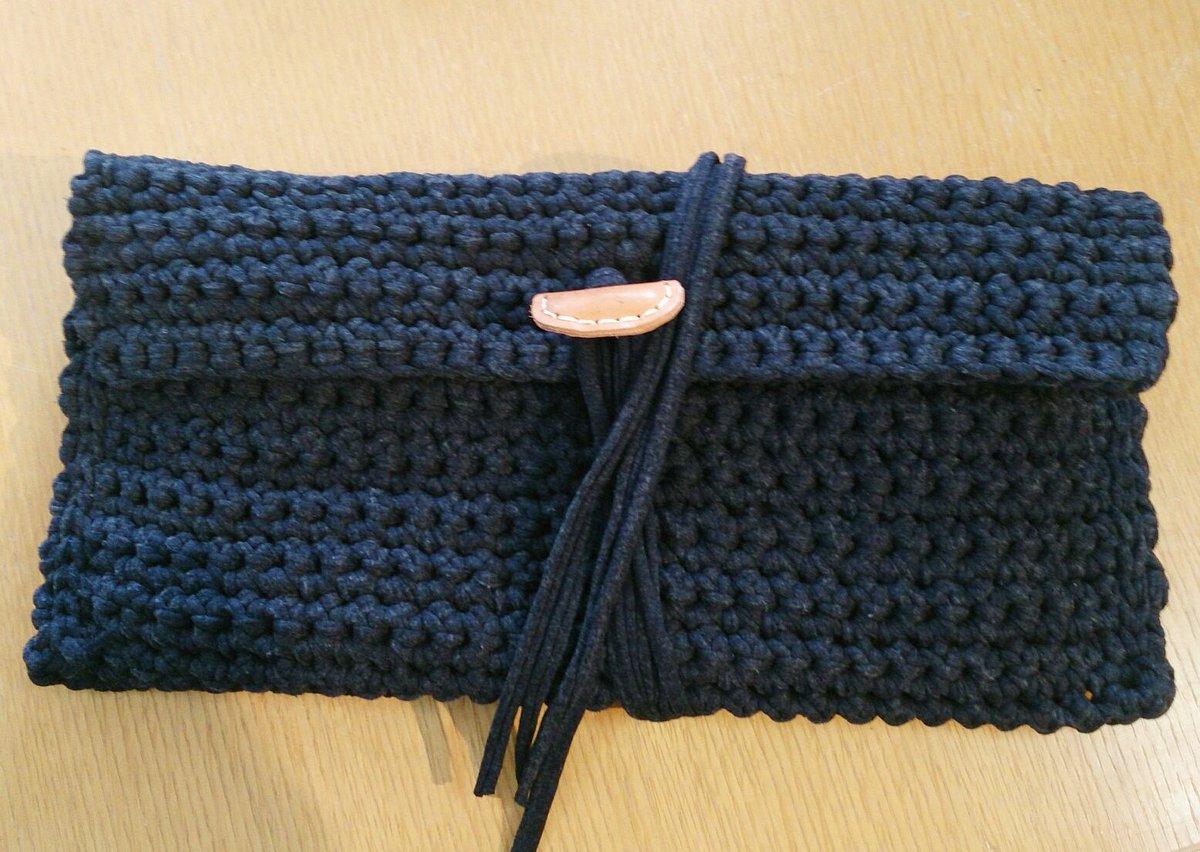 編み物で作るニットクラッチが可愛い♡リボン型も♪