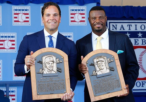 Ken Griffey Jr. and Mike Piazza inducted into Hall of Fame