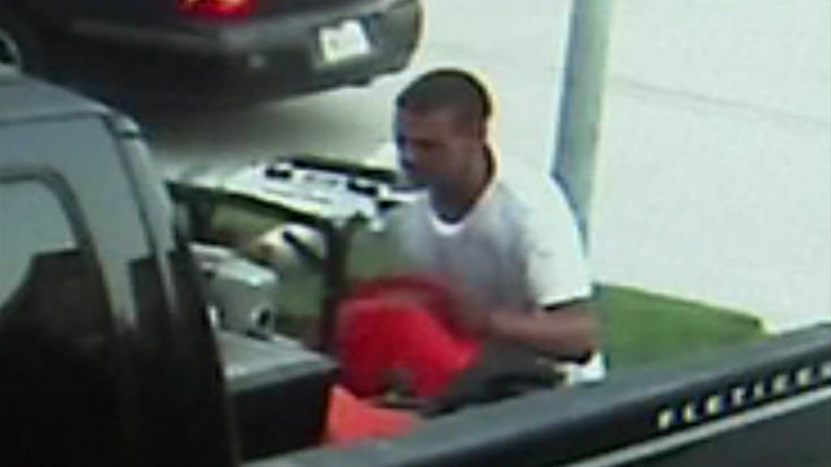 Police need your help to identify thieves who burglarized a Lake Houston home this weekend.