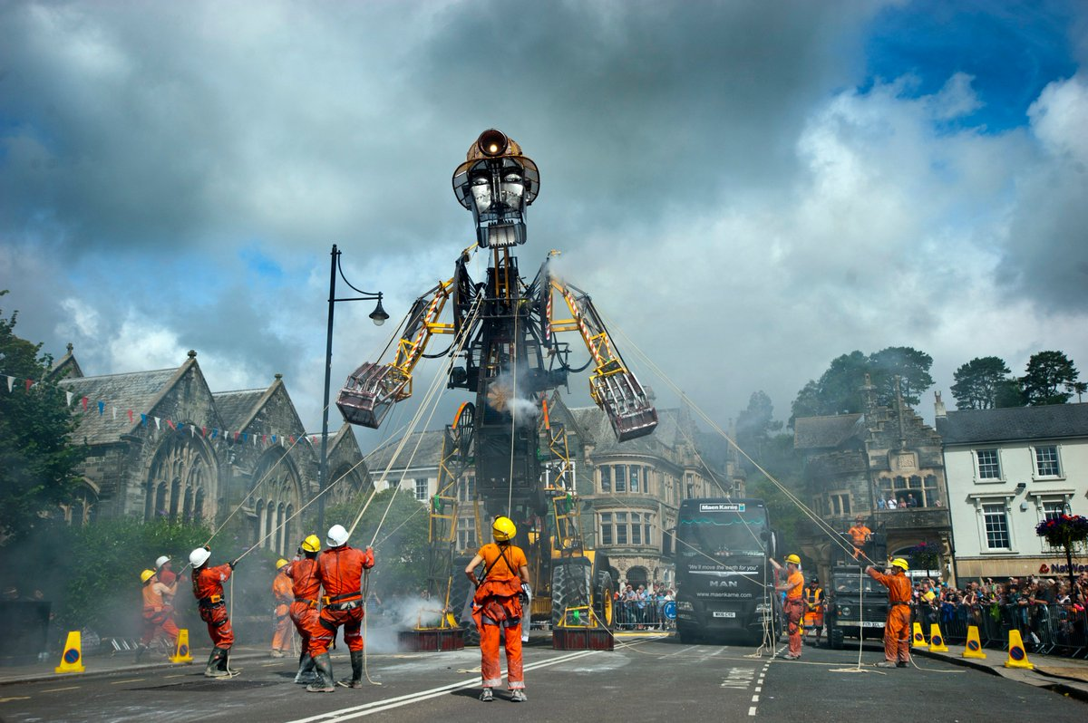 The UK's largest mechanical puppet is unveiled in Cornwall for the Tinth celebrations. https://t.co/4Ua63QH0NT https://t.co/QhBFVeEBO8