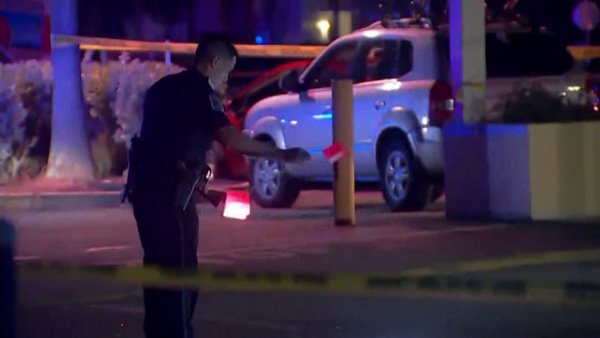 2 killed, 14 injured in FortMyers nightclub shooting; victims aged 12 to 27