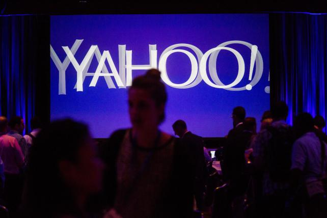 .@Verizon ends @Yahoo independence with $4.83B deal, still distant third to Google, Facebook https://t.co/TSqUPKqLUX https://t.co/2ZXGm8HYY7