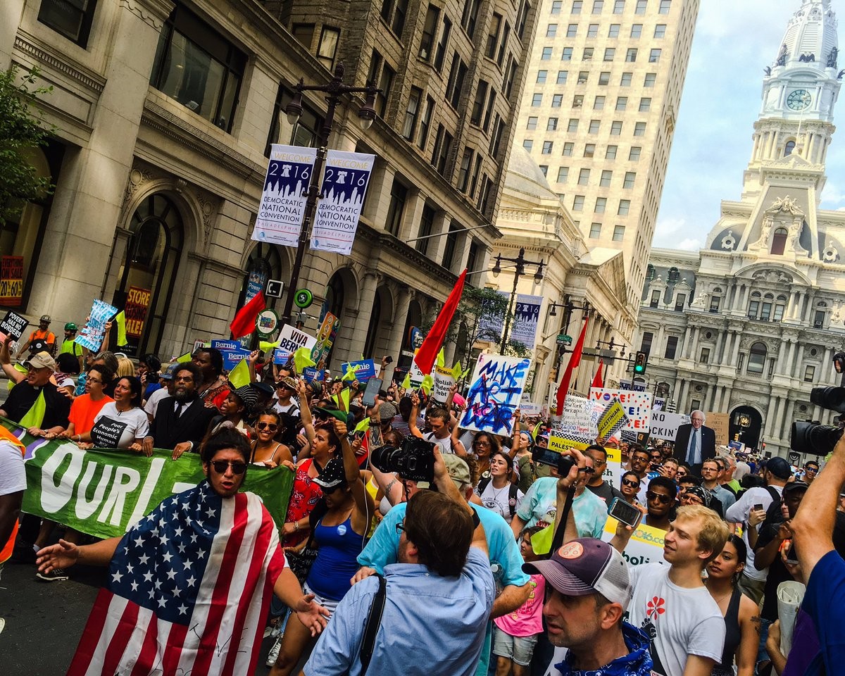 Thousands of @BernieSanders supporters marching south on broad street in philly. @NBCPhiladelphia #DemsInPhilly https://t.co/9YgXwmsMc6