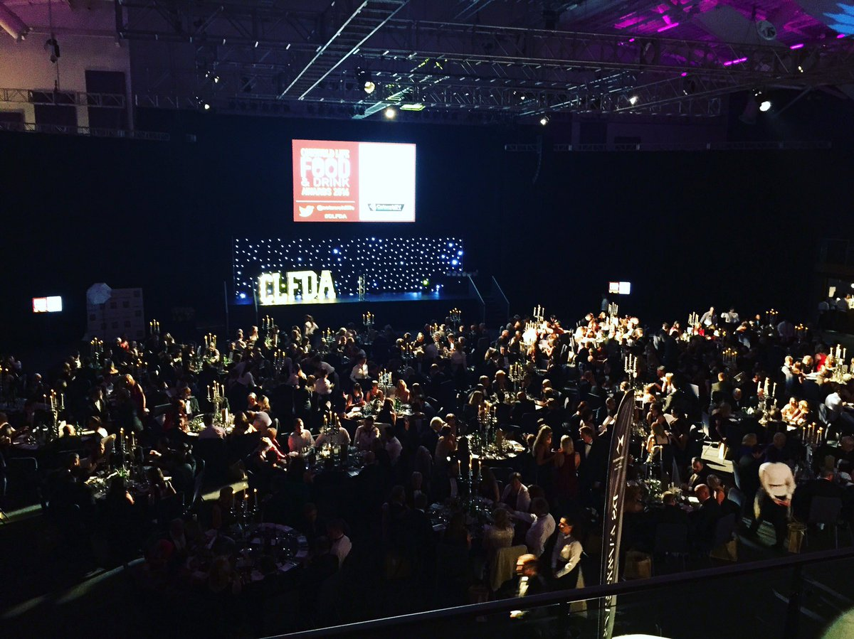 This is what 450 people with a shared love of food and drink in the Cotswolds looks like #CLFDA https://t.co/xjcGPEr9u8