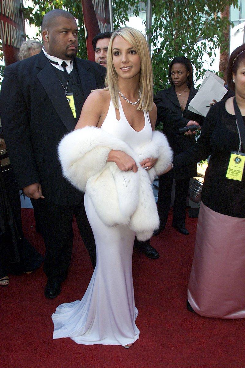 Tani On Twitter Britney Spears Grammy Red Carpet 2000