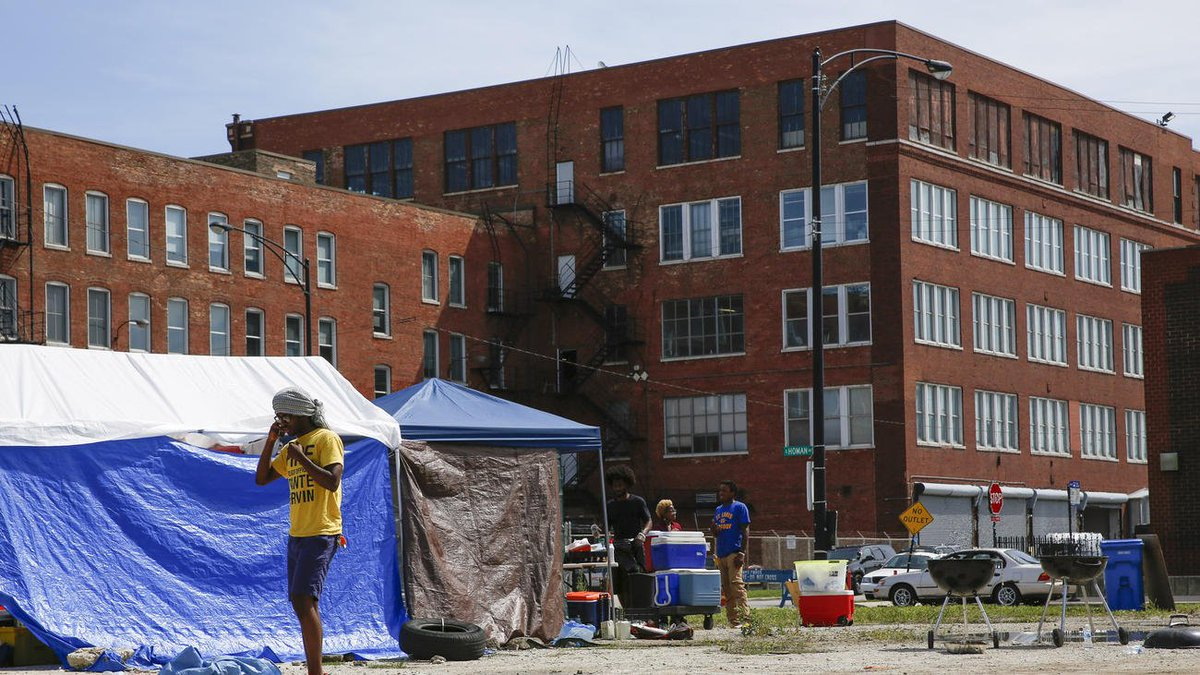 For 4th day, Chicago activists protest police hate crime ordinance with Homan Square sit-in