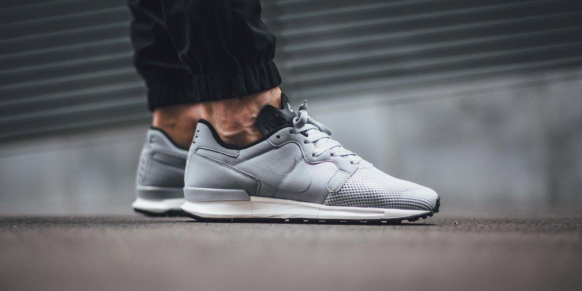nike air berwuda premium grey