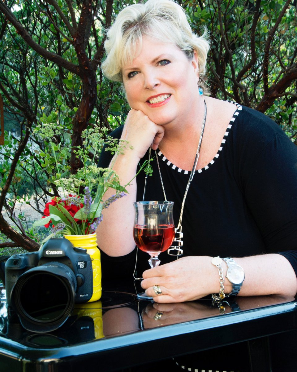 Check out the @ladiesoftheval column in the @SYVStar. Great piece on @TenleyFohlPhoto - #food #wine #photography https://t.co/HFuH3DVggh
