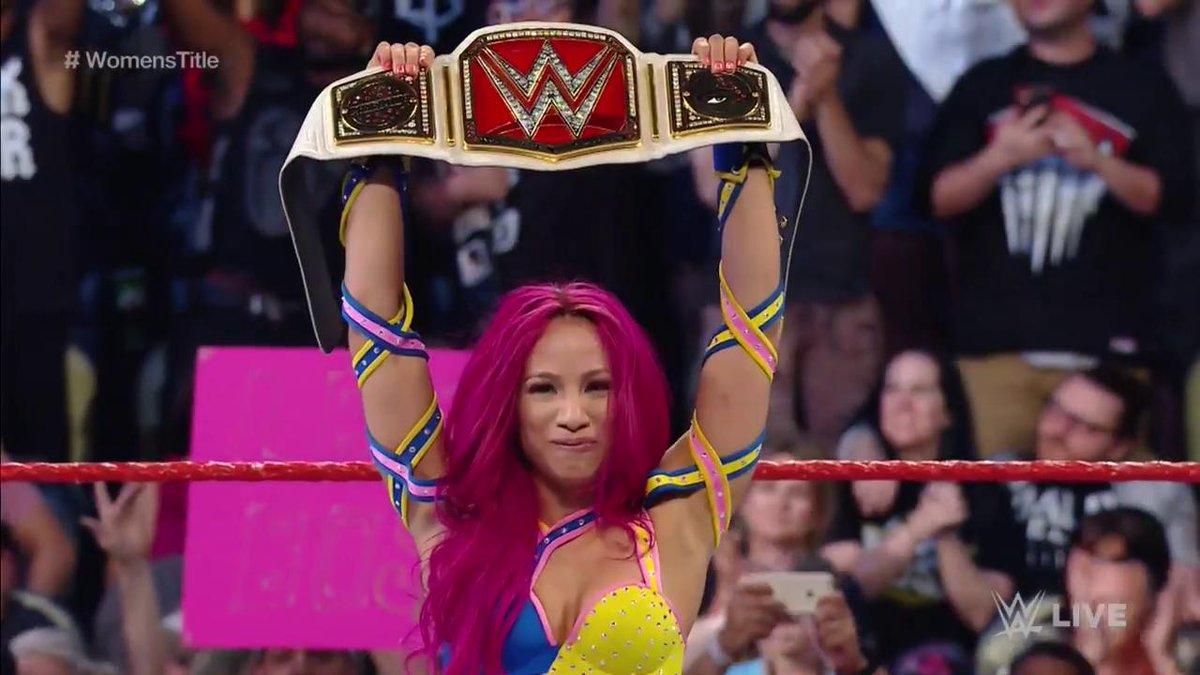 تشارلوت تخسر لقب سيدات WWE وتتويج بطلة جديدة