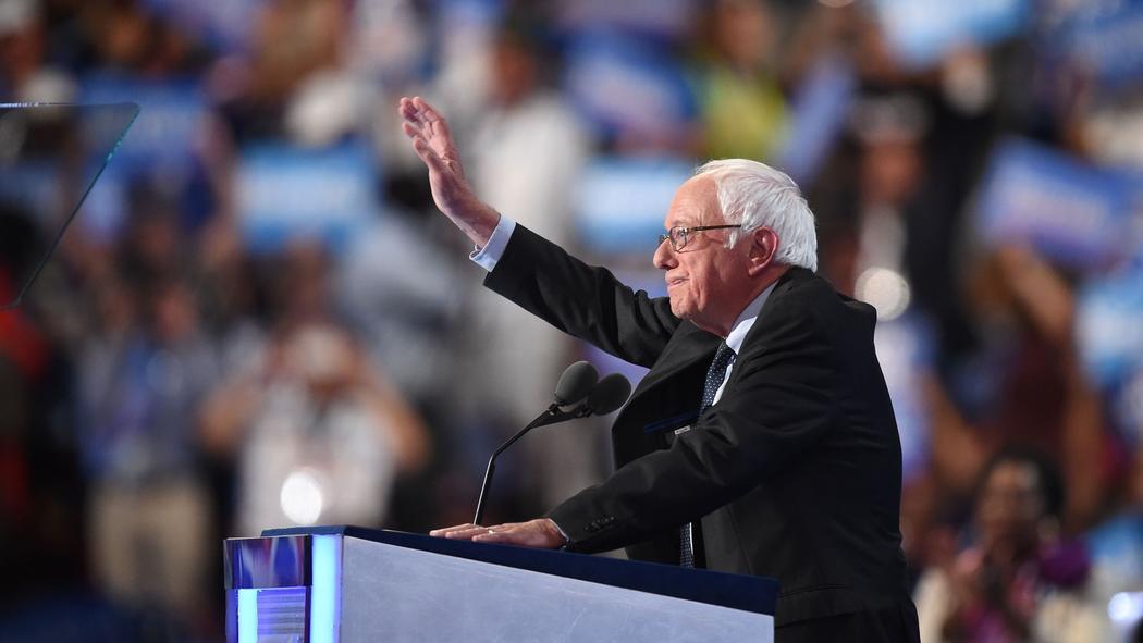 Sanders tells Democrats that Clinton