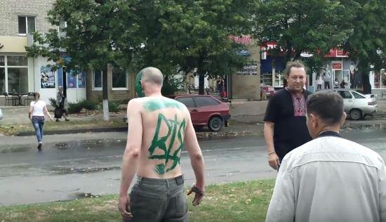 Западная часть паломников заворачивает на Ирпень, а националисты из ОУН свернули блокпост на входе в Киев - Цензор.НЕТ 7396