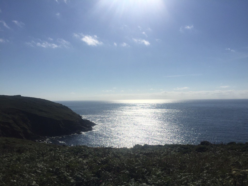 So many peaceful  places for pics...and you have the path to yourself apart from an occasional traveller #Cornwall x https://t.co/jOOFiqTaVl