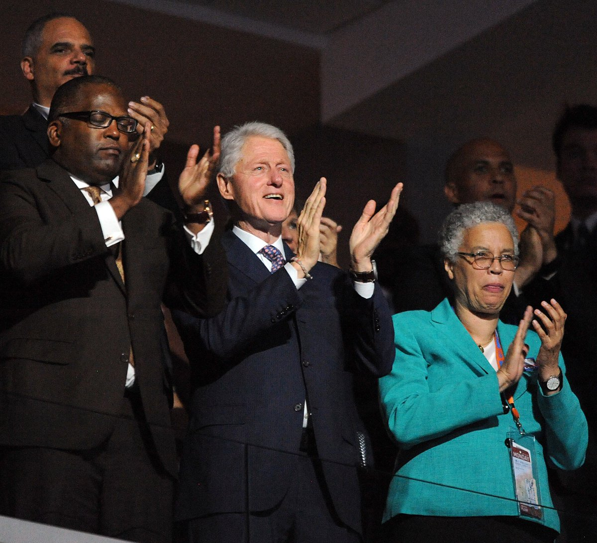 It looks like the Clintons have signaled who should be Chicago's mayor in 2019: @John_Kass