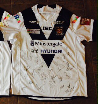 Want to win a signed Hull FC jersey. Just Follow RT & Like I will pick a winner Friday