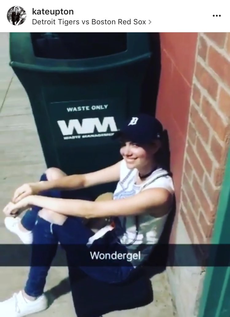 Kate Upton waited by a garbage can at Fenway for Justin Verlander last night. And posted to prove it!