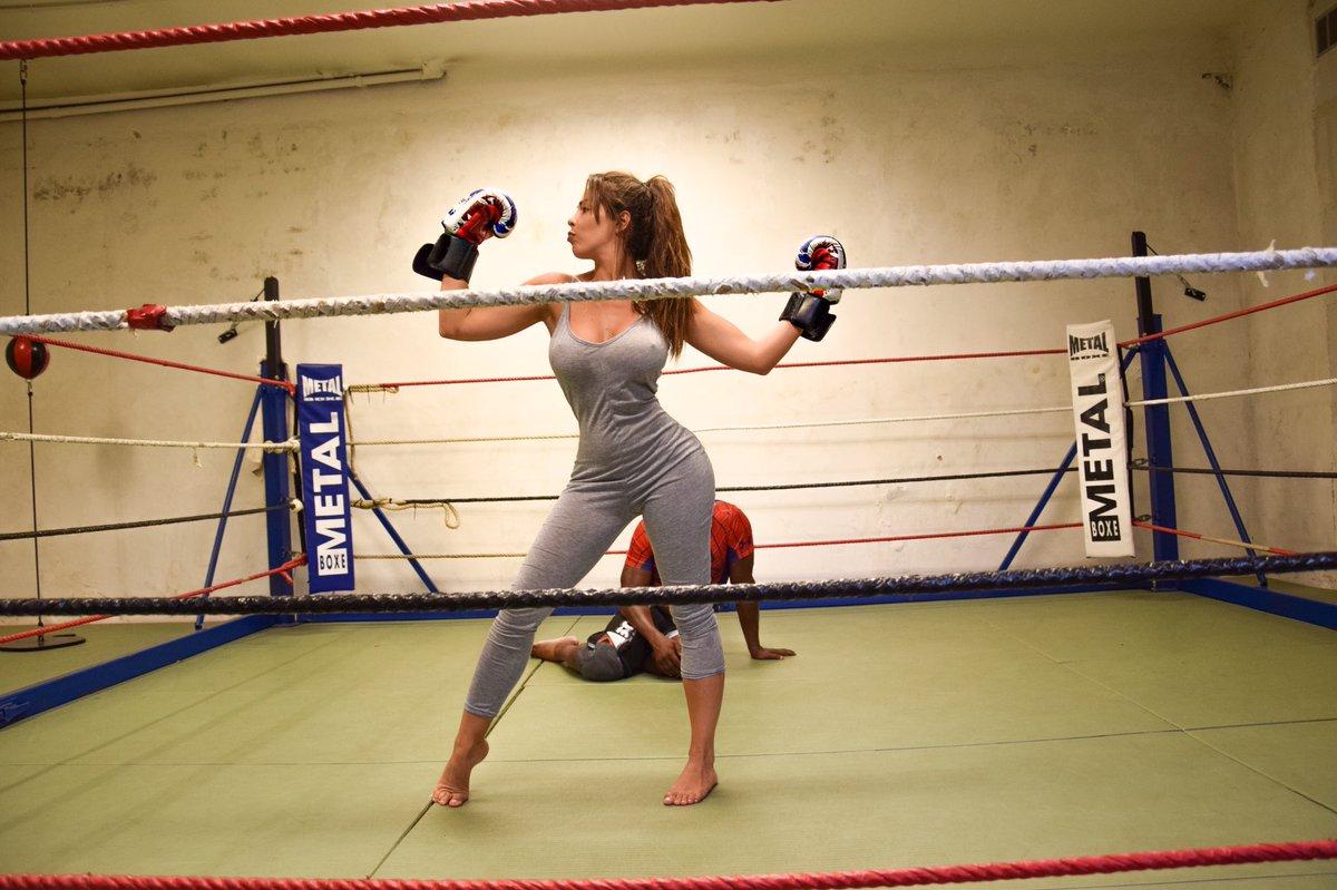 """Boxeuse Sexy kim glow on twitter: """"👊🏻👊🏻 #boxe #boxeuse #training #reprise"""