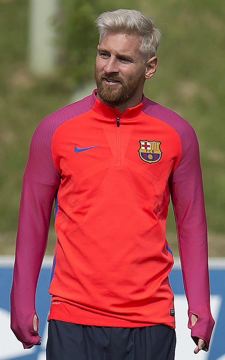 half off f6b20 5fddb Messi & barcelona train in england before friendlies v ...