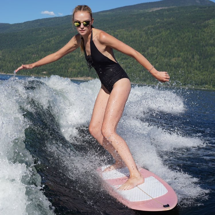 RT @womenmgmt: #TravelTuesday: Surf's up! Heather Marks hits the waves in #MaraLake 🏄 https://t.co/4cmx3XwfHE https://t.co/L67RahtmXN