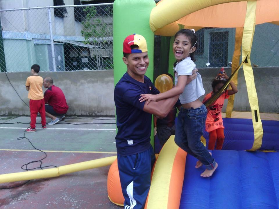 Dia del niño #Casalta3 #UnaSonrisaParaLosNiños <br>http://pic.twitter.com/g9YMELLfMm