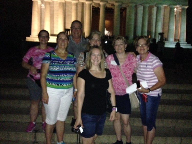 Some hip #FF2016 teachers at the Lincoln Memorial.  @BRInstitute https://t.co/nlDUlNOMBw