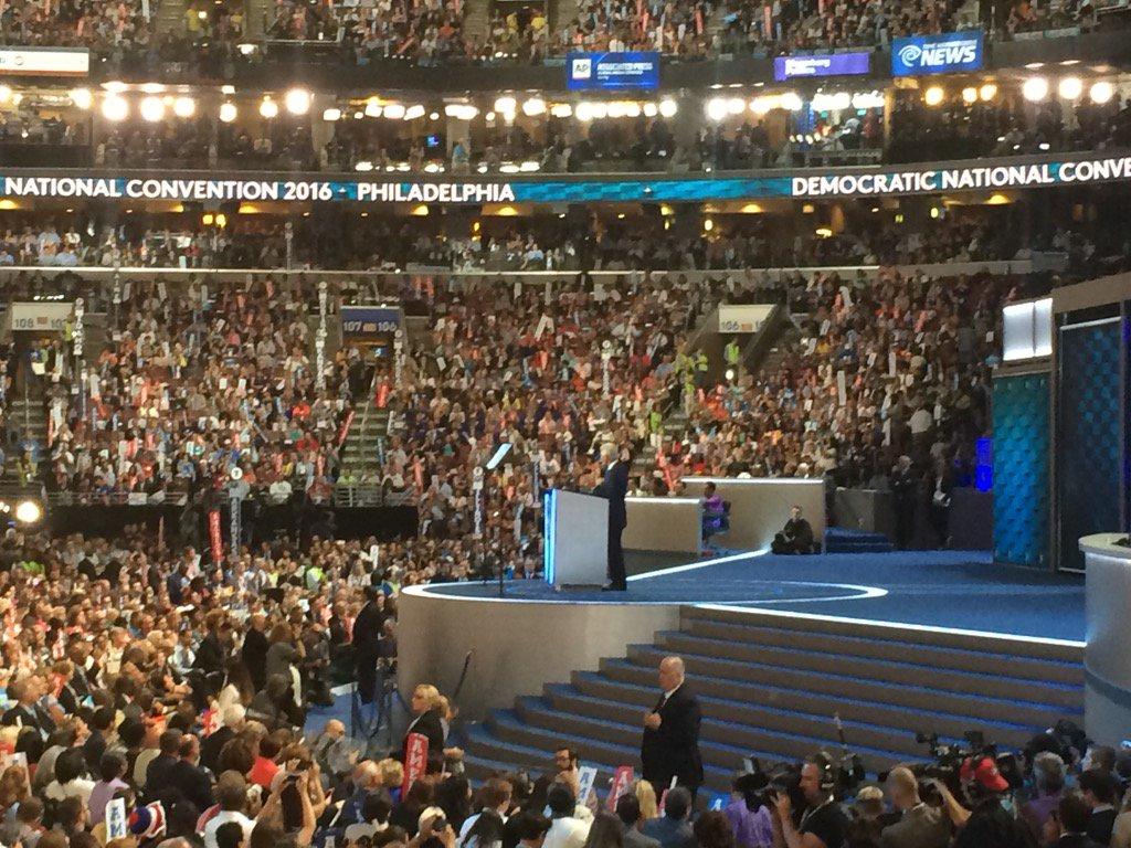 Convention hall looks pretty full again as @billclinton speaks dncinphl