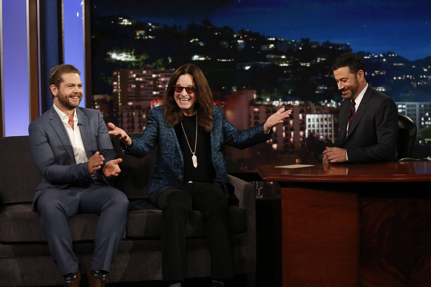 RT @OzWorldDetour: Watch @OzzyOsbourne and @JackOsbourne on @JimmyKimmelLive tonight talking about Ozzy & Jack's World Detour https://t.co/…