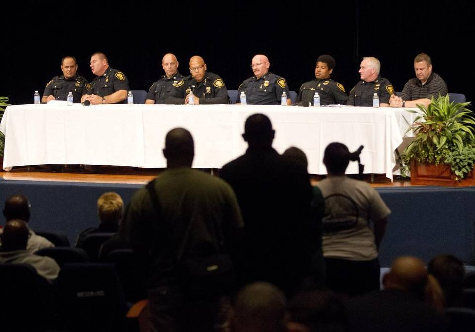 @fortworthpd forum emphasizes communication, trust