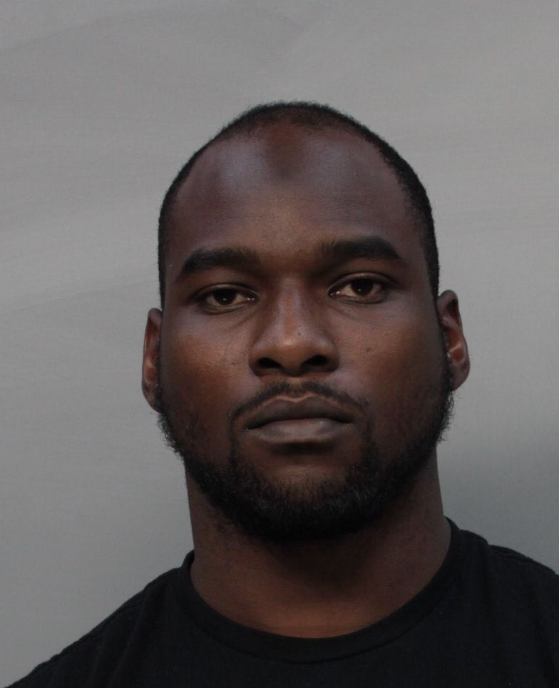 @Eagles Nigel Bradham arrested for assaulting miami hotel worker: police