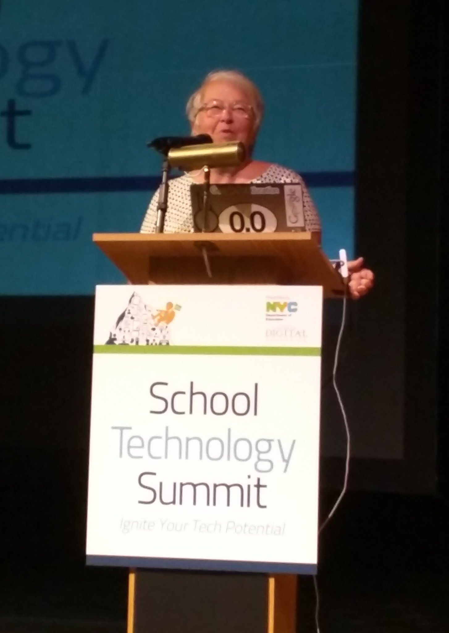 Chancellor Carmen Farina at NYC Schools Technology Summit #NYCSchoolsTech says use tech for equity and excellence https://t.co/3q3ookadSf