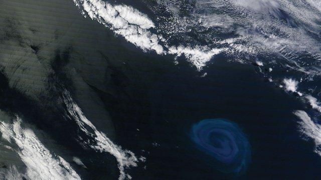 Gossip UFO: Strano Vortice blu sull'Atlantico prima della Fine del Mondo di oggi 29 luglio