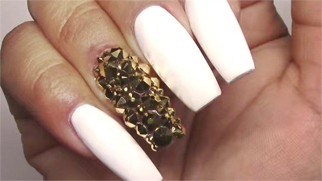 Matte White Gold Bling Coffin Acrylic Nails Keywords Embellished Nail Art