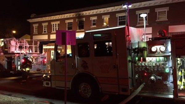 Man dies trying to escape Denver apartment building fire