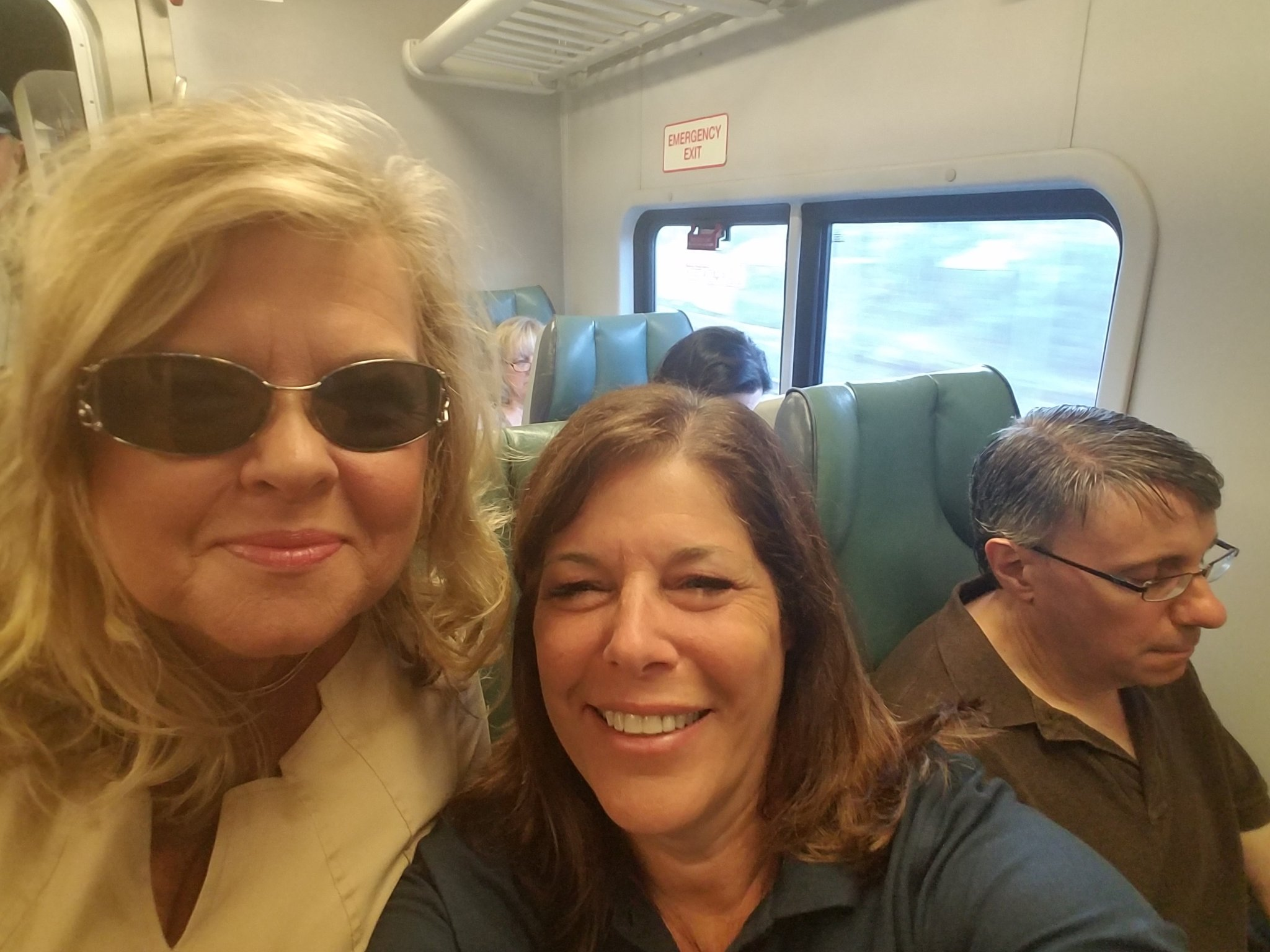 Random meet on LIRR train great start #NYCSchoolsTech https://t.co/mzMTLPyWRh
