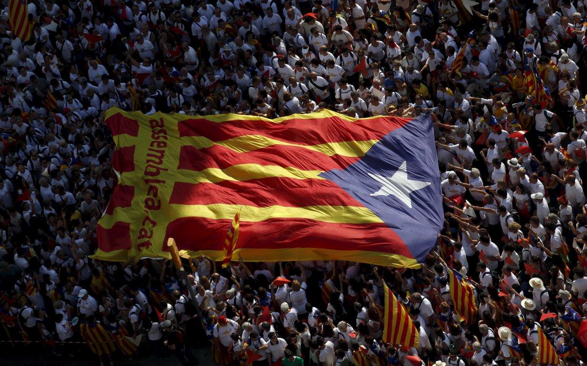 La Catalogne désobéit ouvertement à l'Espagne >>https://t.co/kJzdHknkqQ par @RomaricGodin